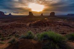 wschód słońca chmurna pomnikowa dolina Obrazy Royalty Free