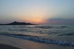 Wschód słońca dotyka górę Zdjęcie Royalty Free