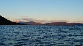 Wschód słońca gór ocean fotografia stock