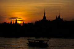 Wschód słońca i łódź fotografia royalty free
