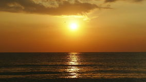 Wschód słońca i morze zbiory wideo