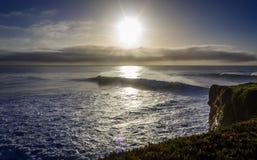 Wschód słońca macha na parostatku pas ruchu zdjęcia stock