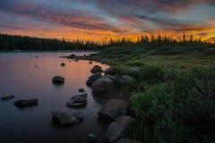 Wschód słońca na Brainard jeziorze, Kolorado obraz stock