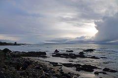 Wschód słońca na bryłka punktu plaży w Catlins, Nowa Zelandia obrazy stock
