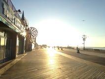 Wschód słońca na Coney Island Boardwalk Fotografia Stock