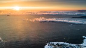 Wschód słońca na dennej mgle Pomarańczowy Kolor obrazy stock