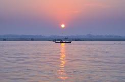 Wschód słońca na Ganges obrazy royalty free