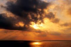 Wschód słońca na morzu śródziemnomorskim widzieć od Świątobliwej Tropez cytadeli Obrazy Royalty Free