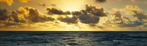 Wschód słońca na Pacyficznym Oceanie Fotografia Royalty Free
