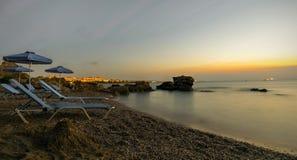 Wschód słońca na plaży w Rhodes, na wybrzeżu Grecja Fotografia Royalty Free