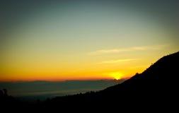Wschód słońca nad górą Zdjęcia Stock