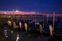 Wschód słońca nad gondolami obrazy royalty free