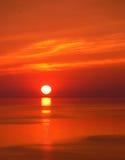 wschód słońca nad jezioro obraz stock
