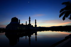 Wschód słońca nad meczetem w Kot Kinabalu Sabah Malezja Obrazy Stock