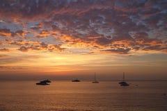 Wschód słońca nad morzem śródziemnomorskim, Antibes, Francja zdjęcie stock