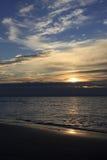 Wschód słońca nad morzem, Bibione, Włochy obrazy stock