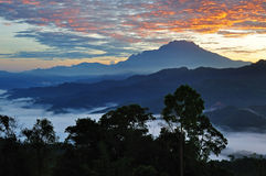 Wschód słońca nad Mt Kinabalu Obrazy Royalty Free