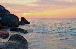 Wschód słońca nad oceanem Fotografia Royalty Free