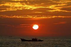 Wschód słońca nad plażą Zdjęcia Stock