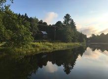 Wschód słońca Nad Przegraną rzeką Fotografia Royalty Free