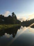 Wschód słońca Nad Przegraną rzeką Zdjęcie Royalty Free