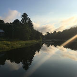 Wschód słońca Nad Przegraną rzeką Zdjęcia Royalty Free