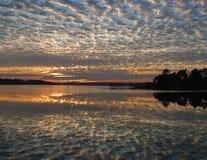 Wschód słońca nad Wschodnią rzeką obraz stock