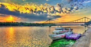 Wschód słońca nad Zaporoską rzeką w Kijów, Ukraina obraz royalty free