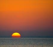 Wschód słońca nad Zatoka Tampa w świętym Peterburg, Floryda fotografia stock