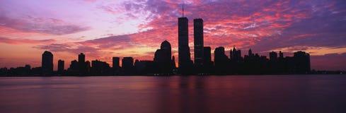 Wschód słońca od Dżersejowego Miasta Manhattan linia horyzontu jest, New Jersey przy wschód słońca Handel światowy góruje jest w  Fotografia Stock