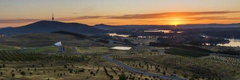 Wschód słońca od Krajowego arboretum zdjęcie royalty free