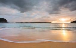 Wschód słońca perły plaża obraz royalty free
