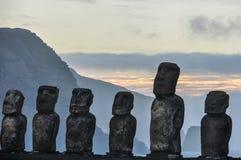 Wschód słońca przy Ahu Tongariki w Wielkanocnej wyspie, Chile Obraz Royalty Free