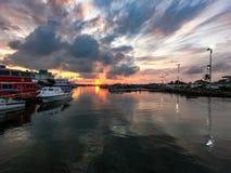 Wschód słońca przy jetty awam semporna, Sabah zdjęcie royalty free