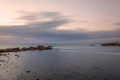 Wschód słońca przy latarnią morską w Ahtopol, Bułgaria Zdjęcie Stock