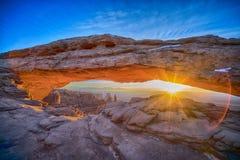 Wschód słońca przy mesa łukiem, zima obraz royalty free