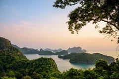 Wschód słońca przy Mu Ko Ang paskiem Zdjęcie Stock