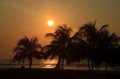 Wschód słońca przy Pantai Batu Hitam Obrazy Stock