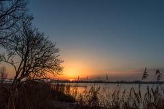 Wschód słońca przy rzeką Fotografia Royalty Free