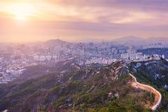 Wschód słońca przy Seul miasta linią horyzontu najlepszy widok Południowy Korea Zdjęcia Stock