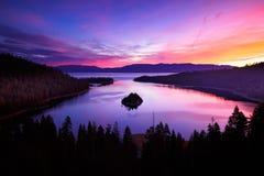 Wschód słońca przy szmaragd zatoką fotografia royalty free