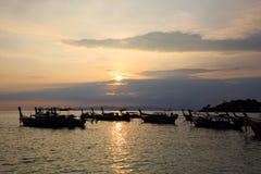 Wschód słońca, ranku morze, kolorowy niebo Obrazy Royalty Free