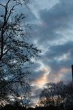 Wschód słońca rozłam z światłem słonecznym i kolorami fotografia royalty free