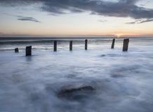 Wschód słońca, substanci chemicznej plaża, Seaham, Sunderland wybrzeże Obraz Royalty Free