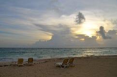 Wschód słońca, Tropikalna plaża, republika dominikańska Zdjęcia Stock