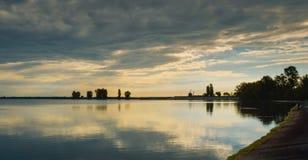 Wschód słońca tworzy zadziwiać krajobrazy zdjęcia stock