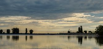 Wschód słońca tworzy zadziwiać krajobrazy fotografia royalty free