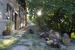 Wschód słońca w dom na wsi Zdjęcia Royalty Free