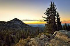 Wschód słońca w Lassen parku, Lassen Powulkaniczny park narodowy Obraz Royalty Free