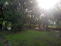 Wschód słońca w ogródzie Szerokość widok obrazy royalty free